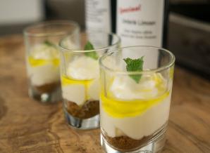 Monchoutaart glaasje limoenolijfolie