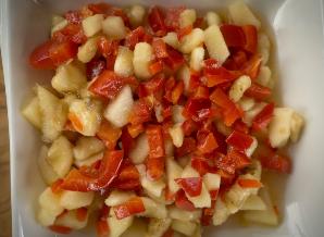Pittige salade paprika banaan en appel
